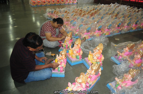 SHREE ANIRUDDHA UPASANA FOUNDATION Eco-friendly Ganesh Idols