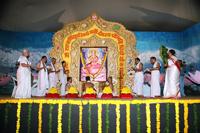 Poojan-of-Shree-Gayatrimata-during-the-utsav