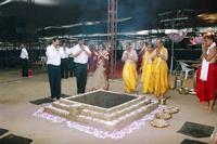 Sadguru-Bapu-Nandai-and-Suchitdada-offering-prayers-in-front-of-yadnya-kunda