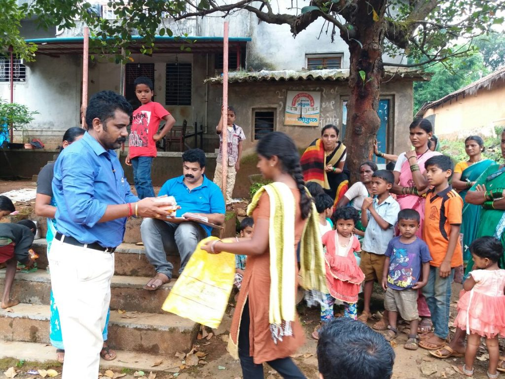 AniruddhaFoundation-Distribution of Hygiene and Cleasing materials-Kolhapur